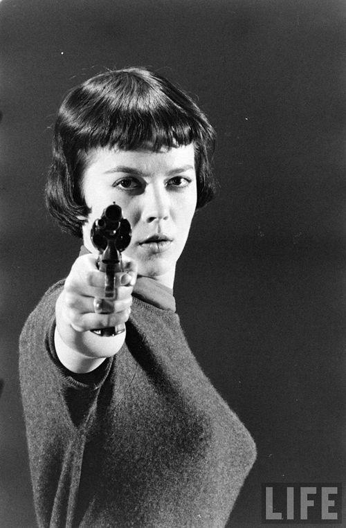 Woman-gun-life-mag