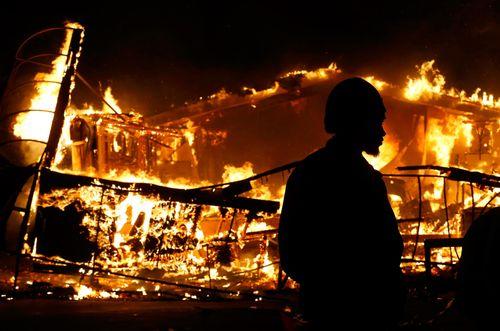141125-ferguson-fire-318a_eb2ca001325ebbfa64b8f00725eb6536
