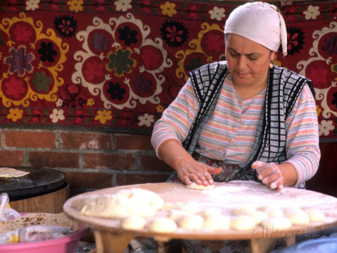 Bill-bachmann-native-woman-baking-bread-in-istanbul-turkey