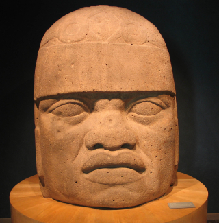 20041229-Olmec_Head_(Museo_Nacional_de_Antropología)