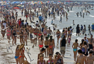 Fed-up-with-spring-breakers-hogging-the-beaches-Here's-how-to-avoid-the-crowds